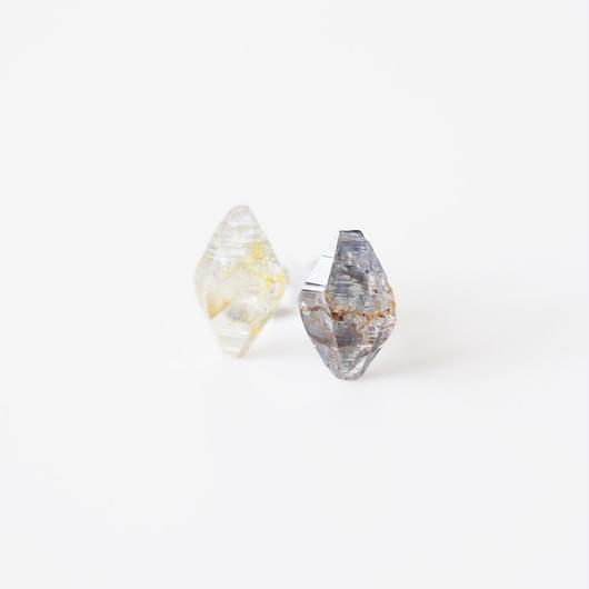 結晶ピアス/サファイア