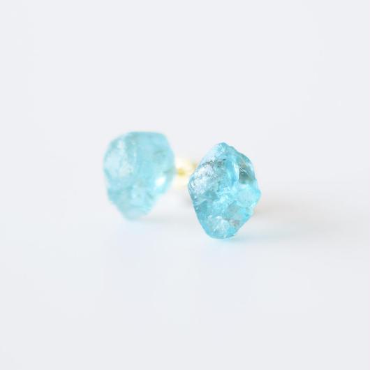 原石ピアス/ブルーアパタイト