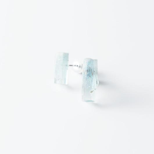 結晶柱ピアス/アクアマリン