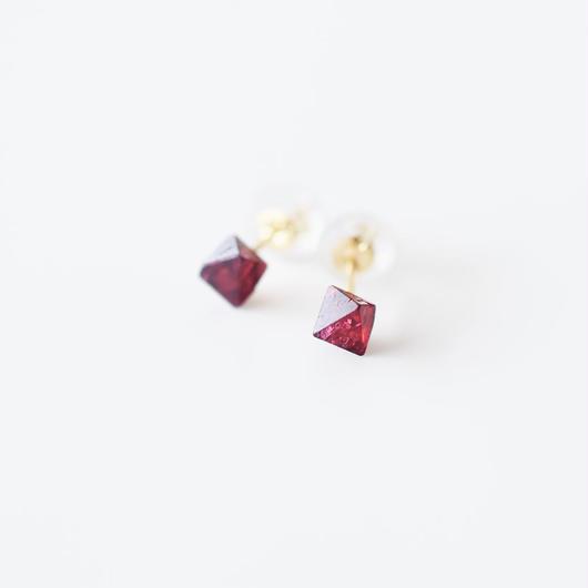 結晶ピアス/レッドスピネル