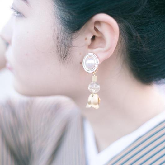 tulip - vintage beads earring