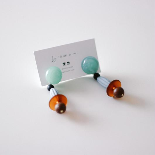 Nina / vintage beads pierce