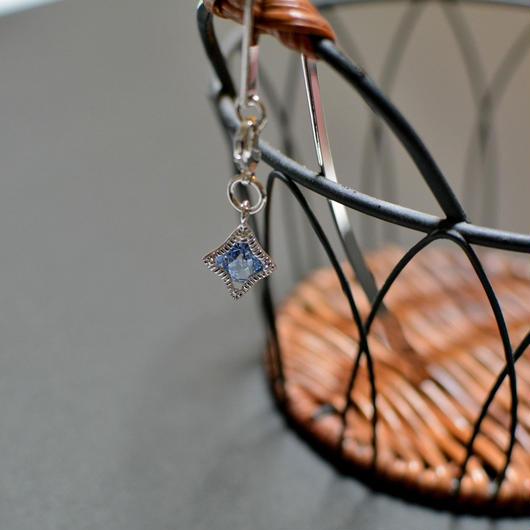 ブックマーカー(銀)*ひし形・スワロカラー:ライトサファイヤ