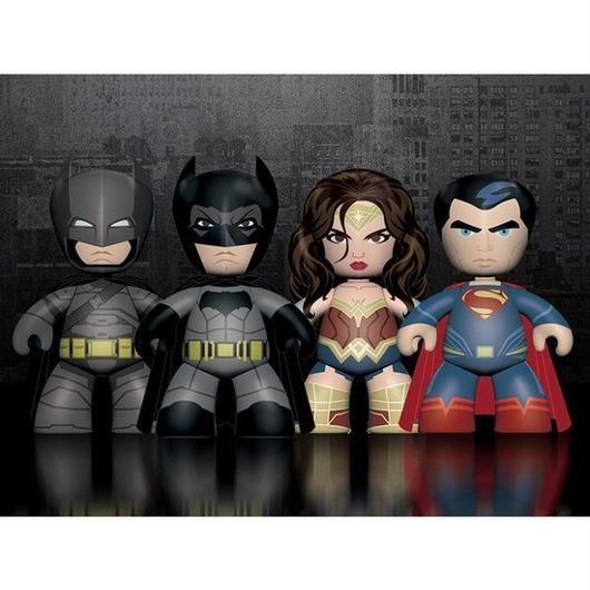 ディーシー メズコ MEZCO TOYZ Batman v Superman: Dawn of Justice Mez-itz Four Pack
