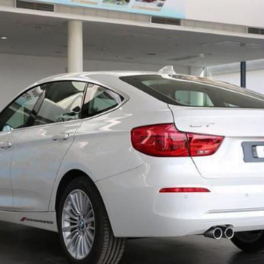 BMW ステッカー Mパフォーマンス ロゴ サイドスカート デカール X1 X3 X5 X6 3 5 7シリーズ e90 e46 e39 e60 e60 f30 f10 h00082