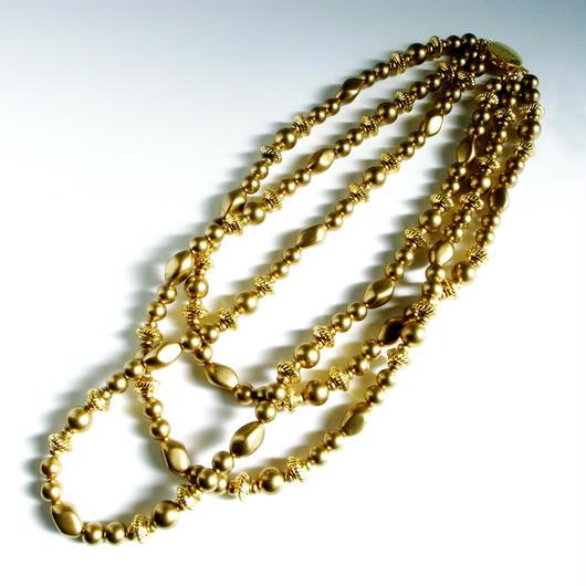 【Unsigned】1960's スタイル ゴールド プラスチックビーズ トリプルストランド  ネックレス/ヴィンテージ