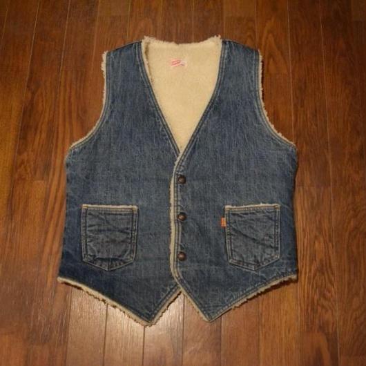 "70's Levi's ""Denim Boa Vest"""