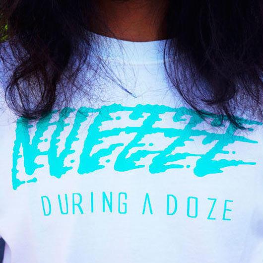 NUEZZZ SPLASH LOGO PRiNT T-Shirts [WHITE]〈NZ024〉