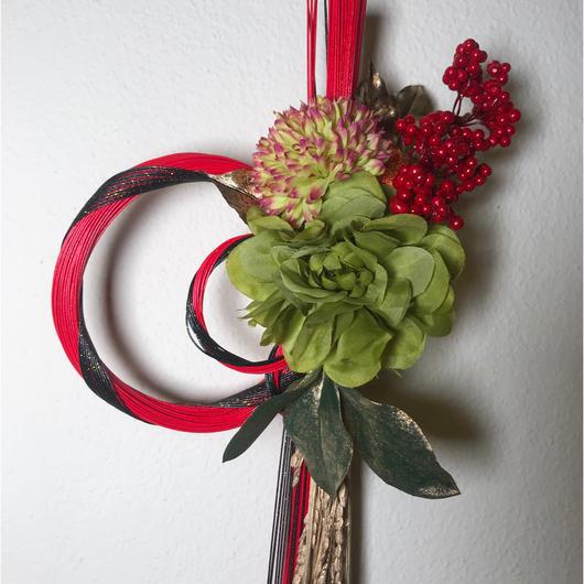 水引とアートフラワーのお正月飾り(大)♪ 花言葉は「可憐」「優雅」  「君を愛す」