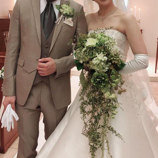<純白のドレスにピッタリ>キャスケードブーケ&ブートニアのセット※アーティシャルフラワー