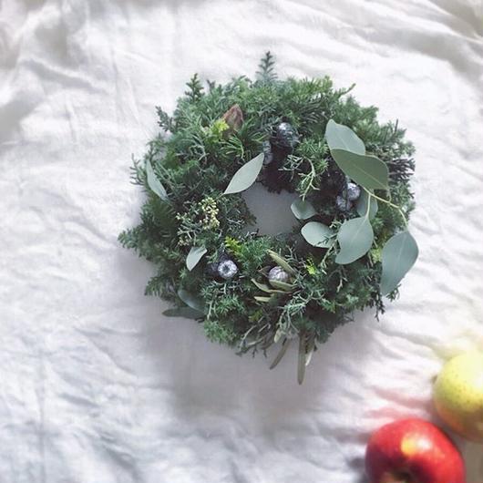 「花かんむりの会」...クリスマスリース... 午前の部