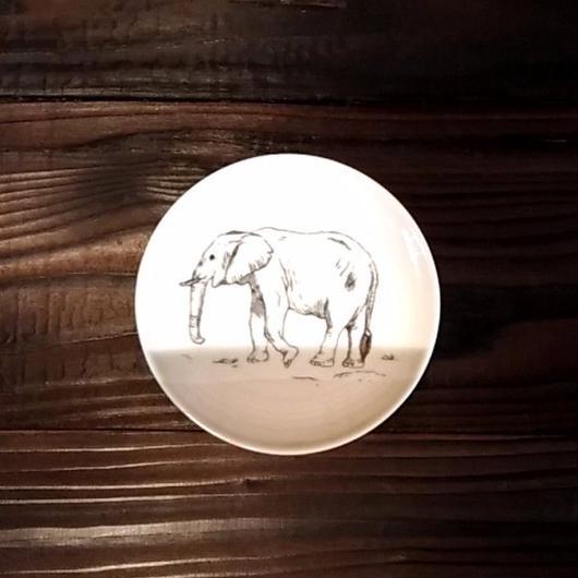 美濃焼  13cmプレート(リアルあにまる ー ケーキ皿 or ソーサーサイズ) - ゾウ【Made in Japan 陶磁器プレート】