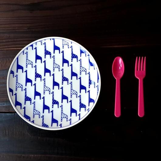 波佐見焼  21.5cmプレート(北欧風アニマル ーパスタ皿サイズ) - キリン 【Made in Japan 陶磁器プレート】