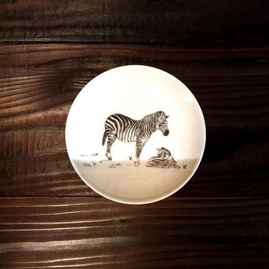 美濃焼  13cmプレート(リアルあにまる ー ケーキ皿 or ソーサーサイズ) - シマウマ【Made in Japan 陶磁器プレート】