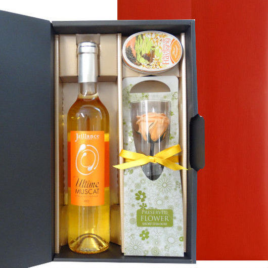 マスカットの貴腐ワインとあめのセット 一輪バラのお花付き フランスのハーフボトルワイン