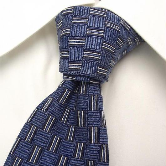 ワンランク上のお洒落|チェスターバリー|CHESTER BARRIE|スクエア織りの綺麗なブルー系ネクタイ【USED】0302