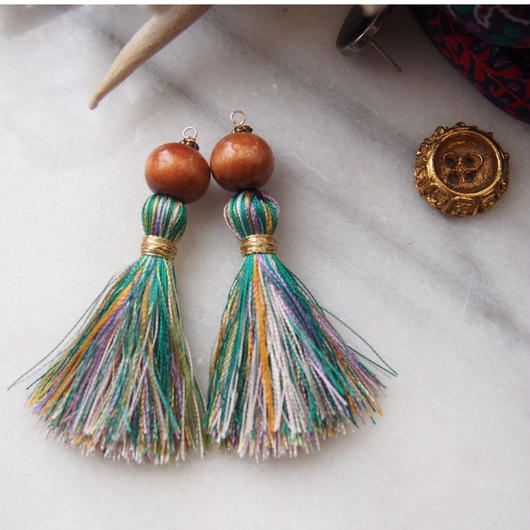gradiation green tassel