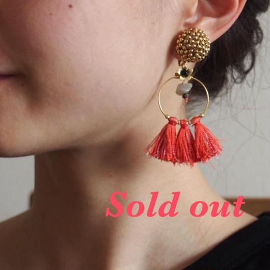 big metal× orenge tassel earrings