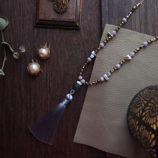 gray/pink  tassel neckrace