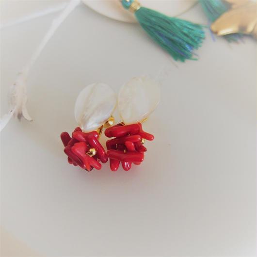 akai  sango earrings