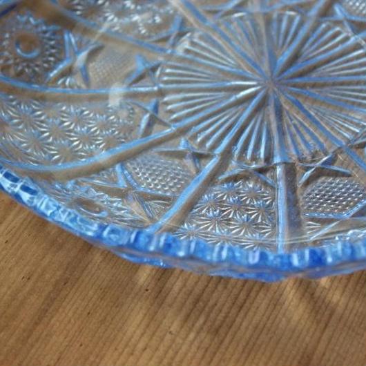 昭和レトロ・プレスガラスの大皿(fan)