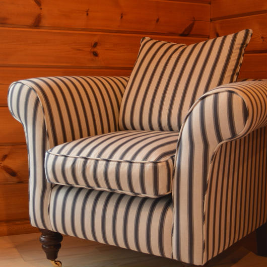 Clavering  fitted chair