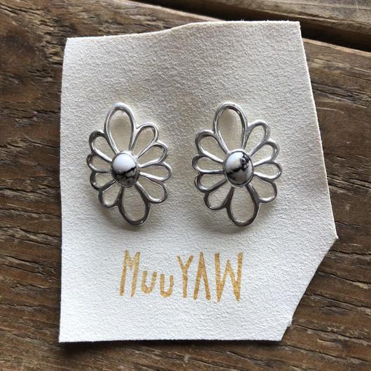 muuyaw  silver flower white buffalo  pierce