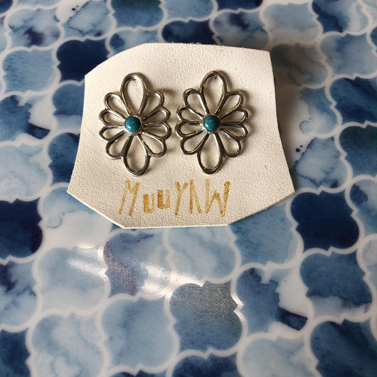 silver turquoise flower ピアス
