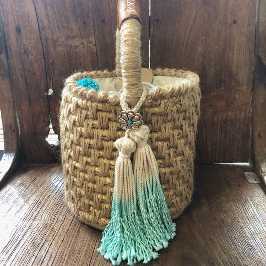 iwii flower concho basket
