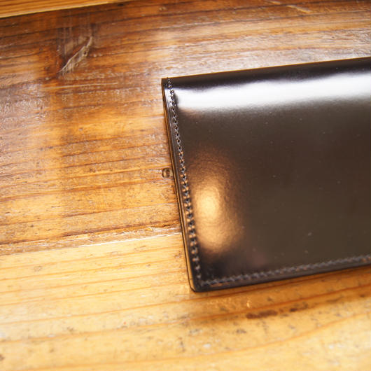 通しマチ長財布/プラチナブラック