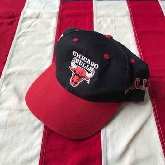 【USED】TWINS CHICAGO BULLS snap back ブラック×レッド