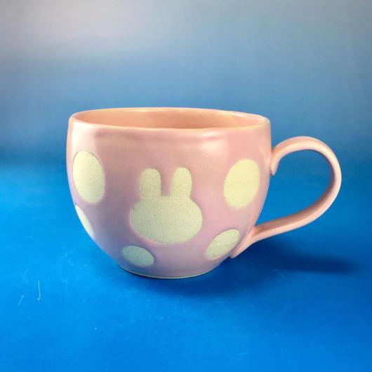 【M076】丸いフォルムのうさぎ水玉模様のマグカップ大(マカロンピンク色・うさぎ印)