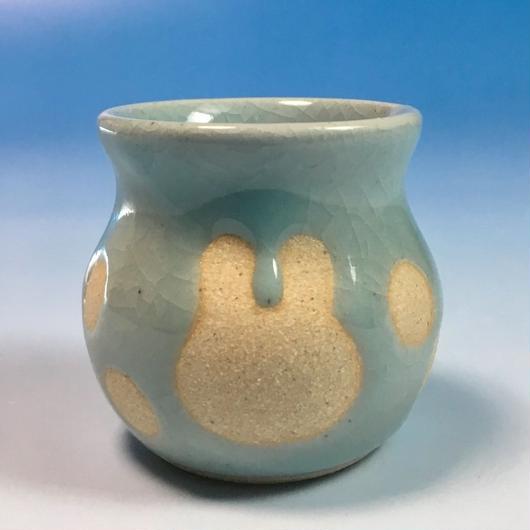 【Z012】うさぎ水玉模様の楊枝立て(青白磁・うさぎ印)