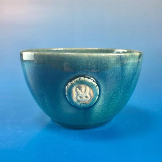 【Y016】海の色の湯呑み茶碗(うさぎ印)