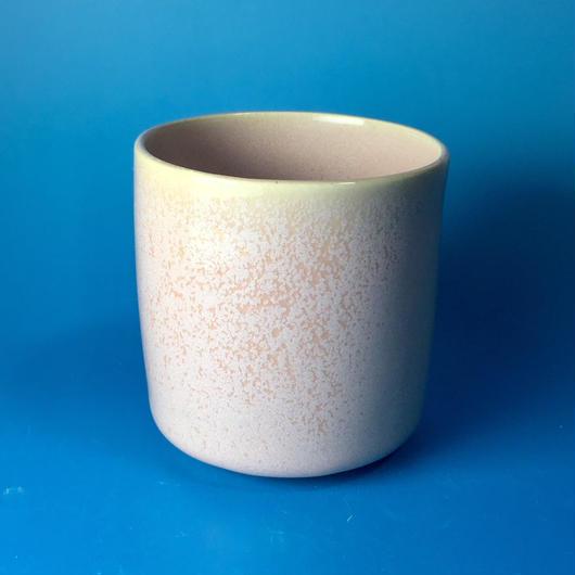 【Y027】シンプルストレートな湯呑み茶わん(桜花ピンク・うさぎ印)