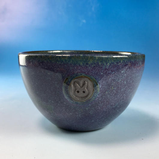 【Y052】淡青赤土の湯呑み茶碗(淡青赤土・うさぎ印)