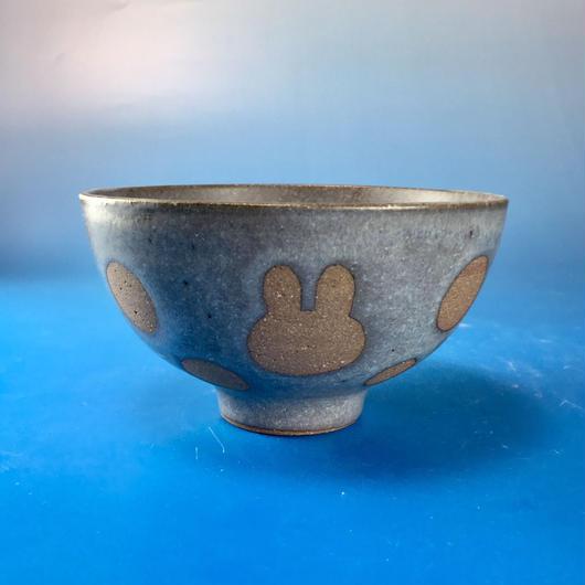 【G019】うさぎ水玉模様のご飯茶碗(マット小豆色・うさぎ印)