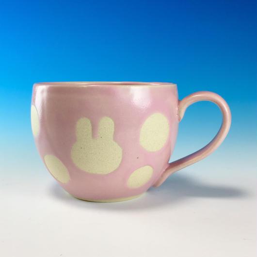 【M101】丸いフォルムのうさぎ水玉模様のマグカップ大(マカロンピンク・うさぎ印)