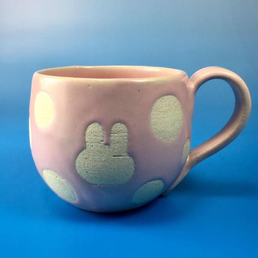 【M020】うさぎ水玉模様の中マグカップ(ピンク色・うさぎ印)