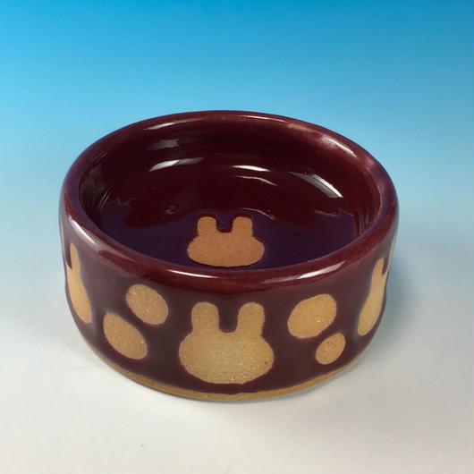 【R186】うさぎ水玉模様のうさぎ様用食器・SSサイズ(ボルドー・うさぎ印)
