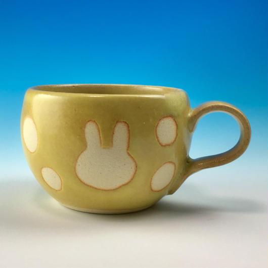【M169】丸いフォルムのうさぎ水玉模様のマグカップデミ(イエロー・うさぎ印)
