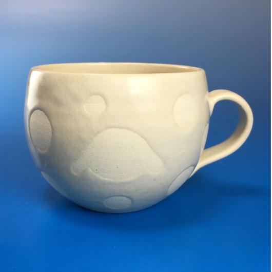 【M040】丸いフォルムのうさぎ水玉模様のマグカップ小(白マット・うさぎ印)