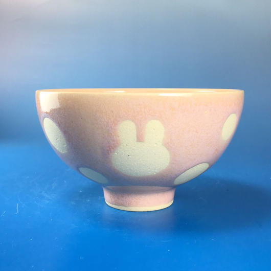 【G022】うさぎ水玉模様のご飯茶碗(桜花ピンク・うさぎ印)