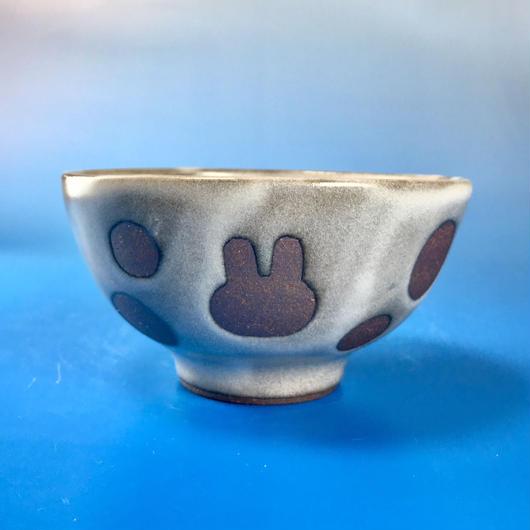 【G031】うさぎ水玉模様のご飯茶碗ミニ(白マット・うさぎ印)
