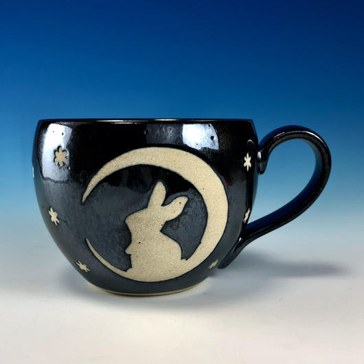 【M213】月夜のうさぎ柄の丸マグカップ大(銀彩釉・うさぎ印)