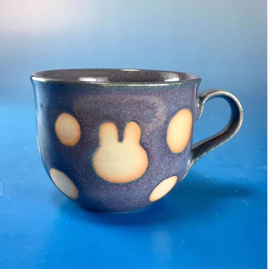 【M065】広口のうさぎ水玉模様のマグカップ小(紫乳濁釉・うさぎ印)
