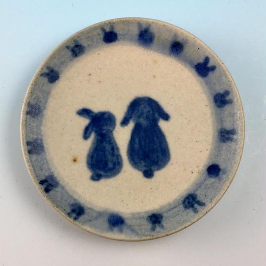 【S042】豆皿(呉須手描き・うさぎ印)