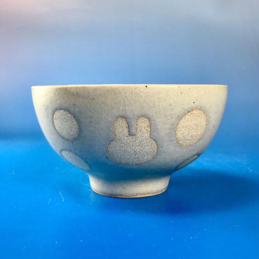 【G033】うさぎ水玉模様のご飯茶碗ミニ(白マット・うさぎ印)