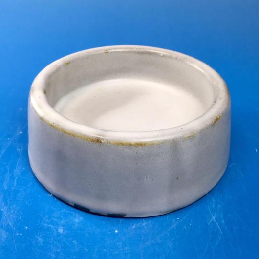 【R037】スーパー白マットのうさぎ様用食器・Sサイズ(スーパー白マット・無地・赤土・うさぎ印)