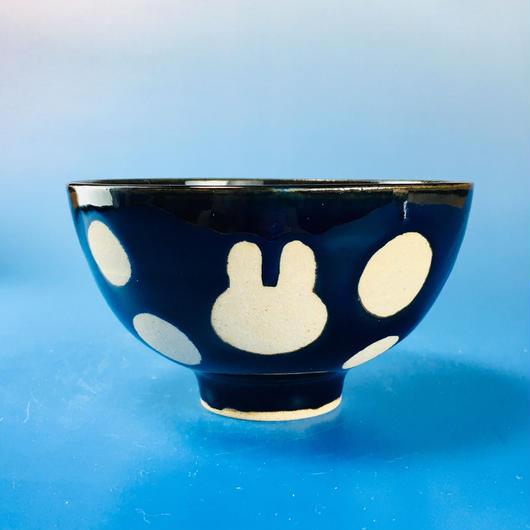 【G023】うさぎ水玉模様のご飯茶碗(ネイビー・うさぎ印)